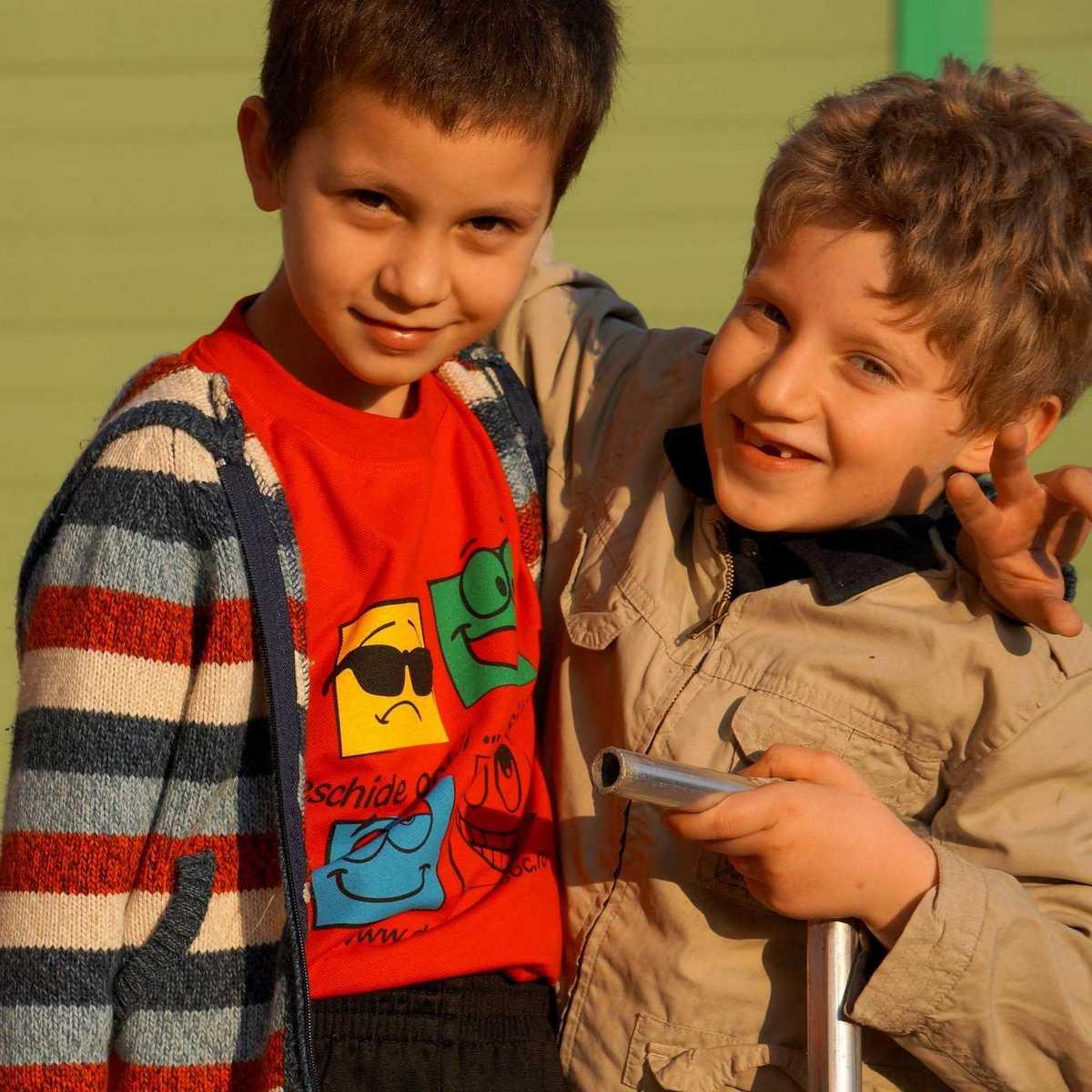 Zwei Jungs beim spielen im Don Bosco Zentrum