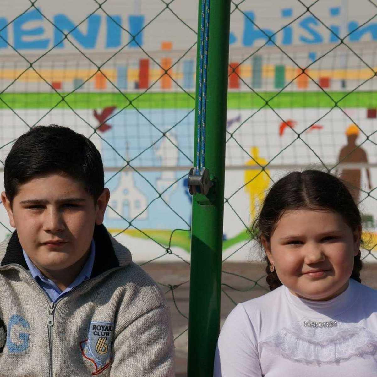 Die Geschwister Mihail und Anna im Don Bosco Zentrum