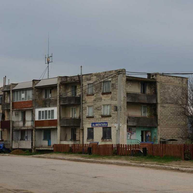 heruntergekommene Häuserfronten in Chisinau