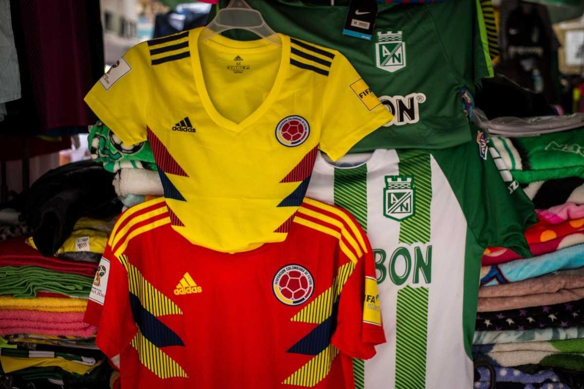 Fußballtrikots in Kolumbien